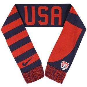 NIKE U.S. National Soccer Team Scarf